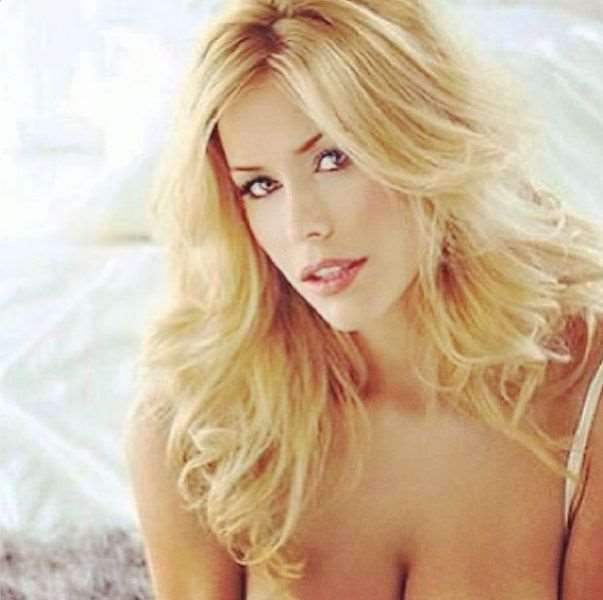 this_blonde_bombshell_is_2014s_playmate_of_the_year_640_24