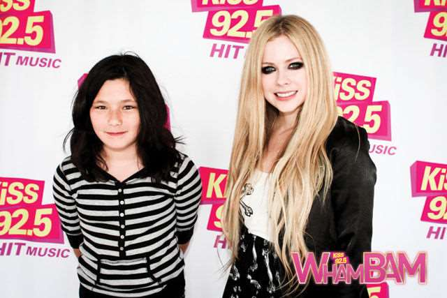 what_meeting_avril_lavigne_is_like_compared_to_meeting_other_top_musicians_640_10