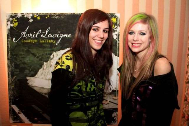what_meeting_avril_lavigne_is_like_compared_to_meeting_other_top_musicians_640_18