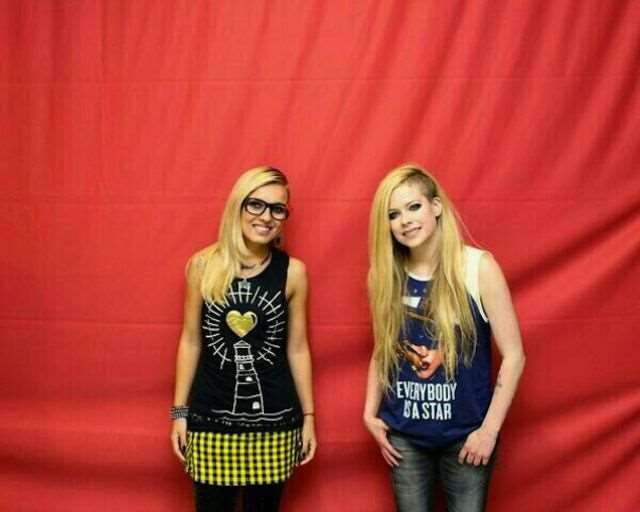 what_meeting_avril_lavigne_is_like_compared_to_meeting_other_top_musicians_640_23