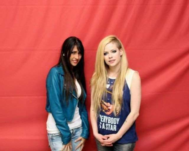 what_meeting_avril_lavigne_is_like_compared_to_meeting_other_top_musicians_640_24