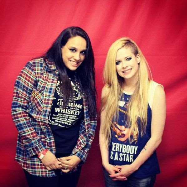 what_meeting_avril_lavigne_is_like_compared_to_meeting_other_top_musicians_640_27