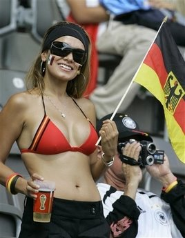 10-germany-3-hottest-fans-2014-fifa-world-cup