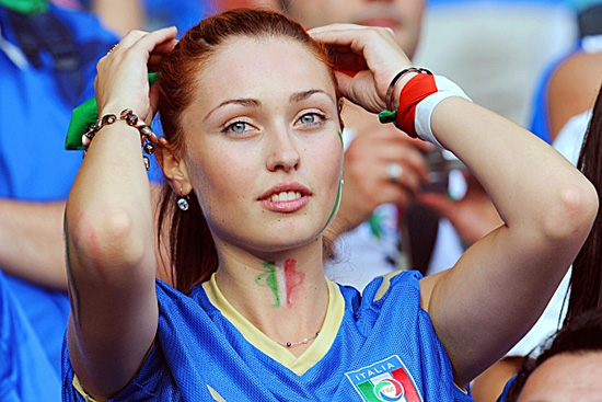 12-italy-1-hottest-fans-2014-fifa-world-cup