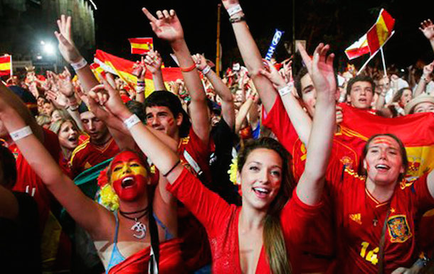 14-spain-2-hottest-fans-2014-fifa-world-cup