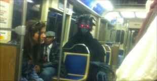 【画像】電車の中っていうのは本当に色んな人がいますよね