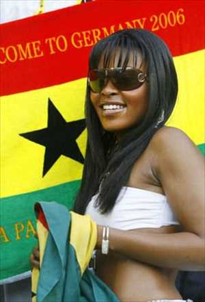 16-ghana-1-hottest-fans-2014-fifa-world-cup_R