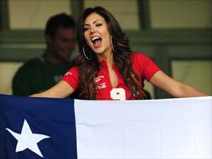 18-chile-1-hottest-fans-2014-fifa-world-cup_R