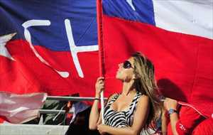 18-chile-2-hottest-fans-2014-fifa-world-cup_R