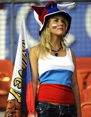 28-russia-2-hottest-fans-2014-fifa-world-cup_R