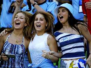 29-uruguay-1-hottest-fans-2014-fifa-world-cup_R