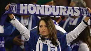 30-honduras-1-hottest-fans-2014-fifa-world-cup_R