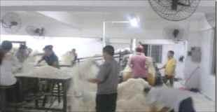 【画像】中国のビーフン工場の不衛生さがヤバイ