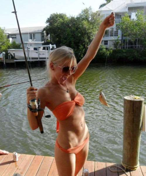 a_little_bit_of_fishing_fun_with_girls_640_17