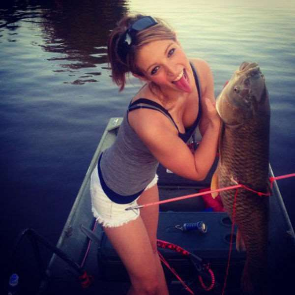 a_little_bit_of_fishing_fun_with_girls_640_34