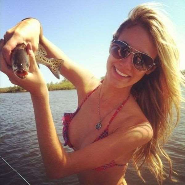 a_little_bit_of_fishing_fun_with_girls_640_38