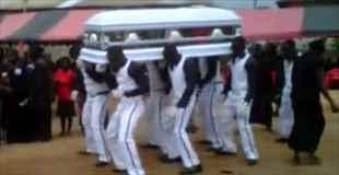 【動画】ガーナの葬式が日本と違ってなんだか楽しそう