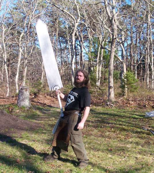 the_creative_craftsman_who_makes_swords_640_04