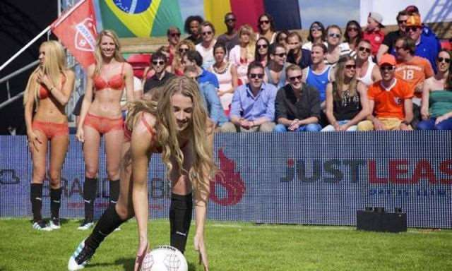 the_world_cup_of_lingerie_is_a_mustsee_event_640_19