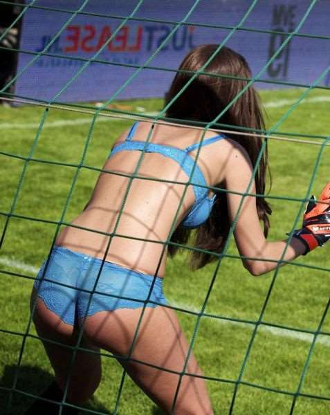 the_world_cup_of_lingerie_is_a_mustsee_event_Xv47P_640_30