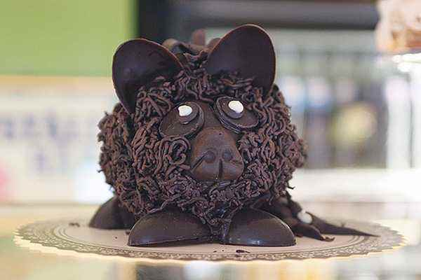 bizarre-chocolate-sculptures-27