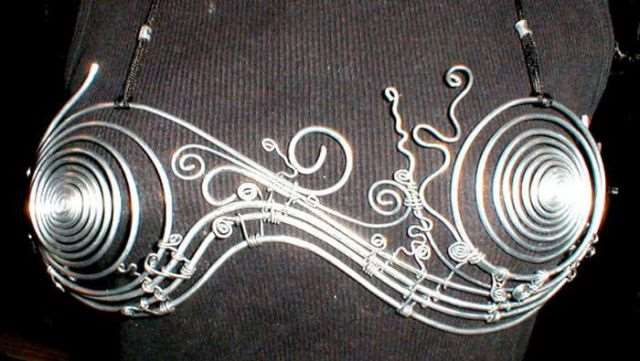 metal_bra_designs_that_are_works_of_art_640_12