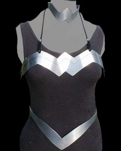 metal_bra_designs_that_are_works_of_art_640_21