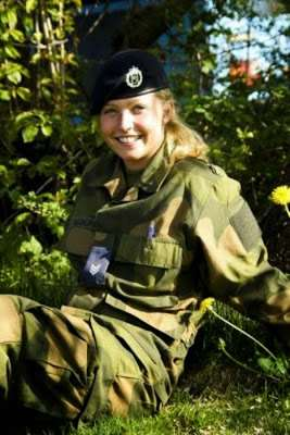 norwegian_military_girl_18