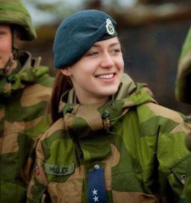 norwegian_military_girl_30