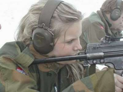 norwegian_military_girl_45