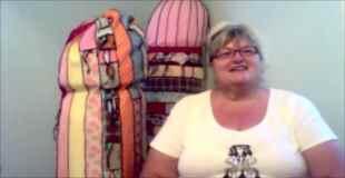 【画像】巨大なペニスを編み始めた祖母