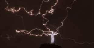 【画像】かっこよすぎる雷の写真集めてみました