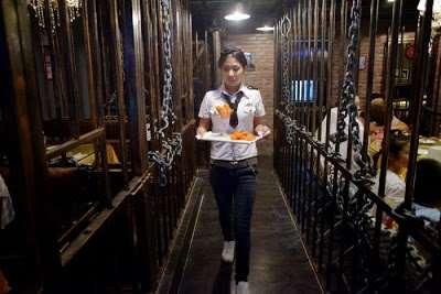 prison_themed_restaurant05