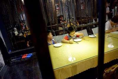 prison_themed_restaurant06