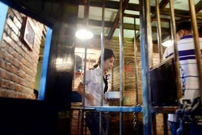 prison_themed_restaurant12