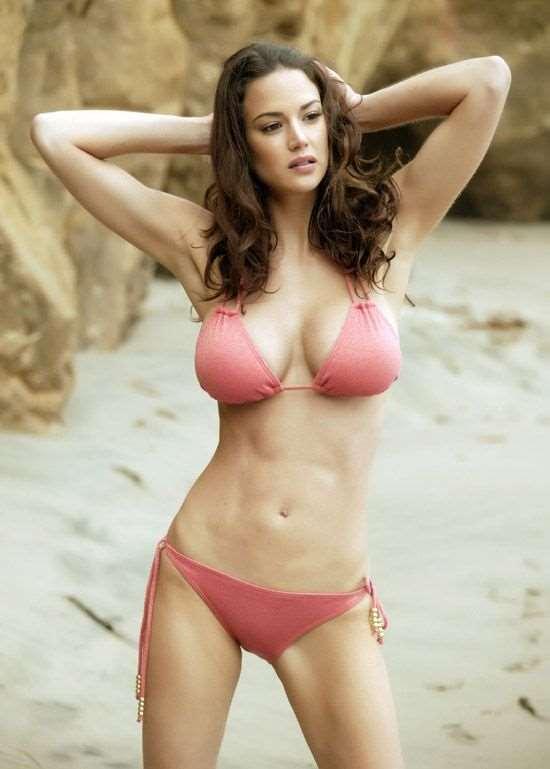 girls_in_bikinis_26