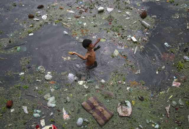 the_digusting_pollution_in_indias_river_640_09