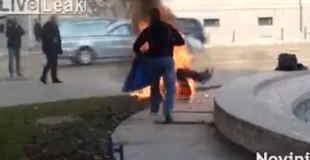 【閲覧注意】ブルガリアで若い女性が焼身自殺…。
