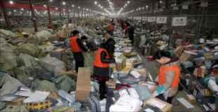 【画像】中国の配送物仕分け作業がカオス