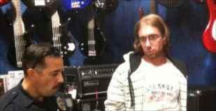 【画像】あまりにも大胆すぎる泥棒が楽器店に現れた…
