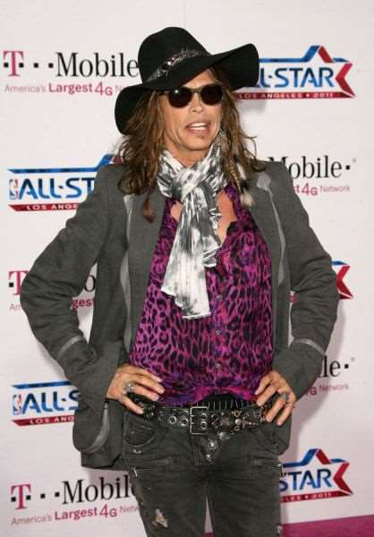 steven_tyler_is_one_fashionable_dude_640_03