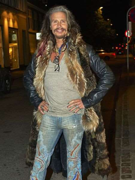 steven_tyler_is_one_fashionable_dude_640_05