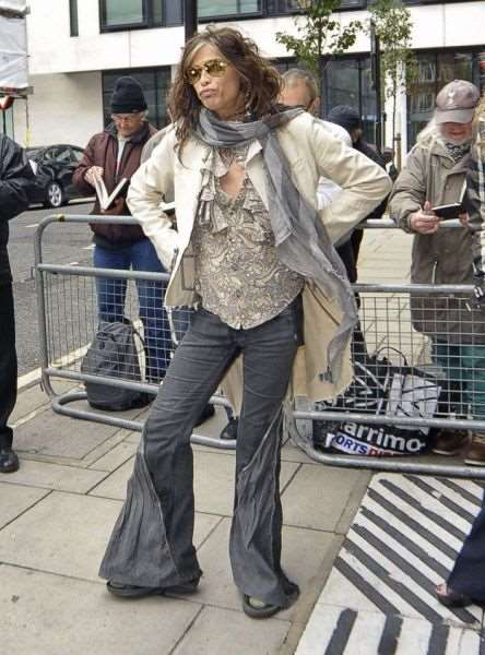 steven_tyler_is_one_fashionable_dude_640_13