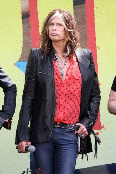 steven_tyler_is_one_fashionable_dude_640_14