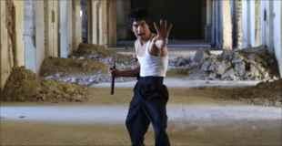 【画像】アフガニスタンに住むブルース・リーのそっくりさんw