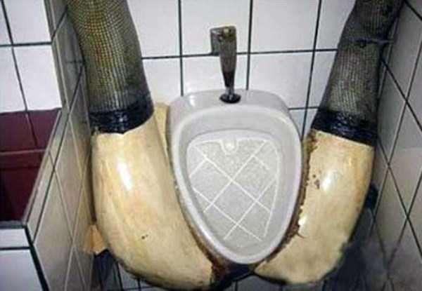 funny-urinals-2