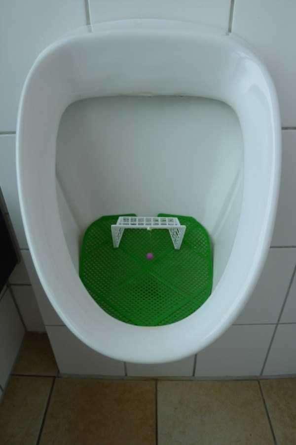 funny-urinals-9