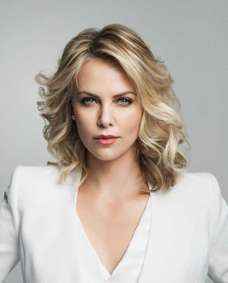 Charlize_Theron_R