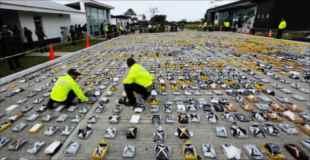 【画像】コロンビア警察が押収したコカイン9000万ドル分w