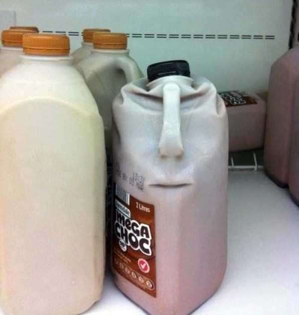 weird-faces-seen-in-things-21